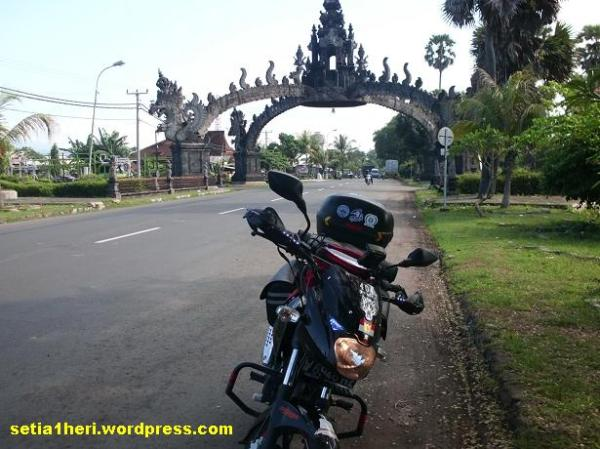 pintu masuk pulau bali