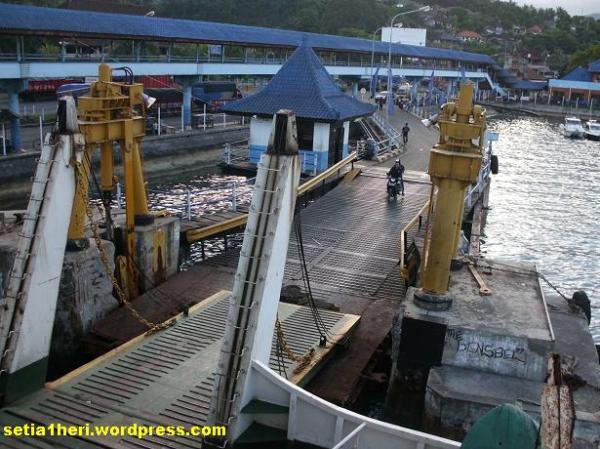 pelabuhan padang bay lembar lombok