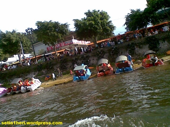 antrian speed boat