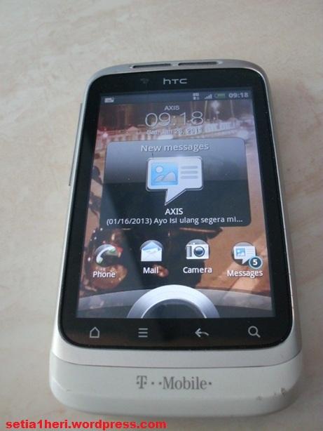 HTC wildfire S putih