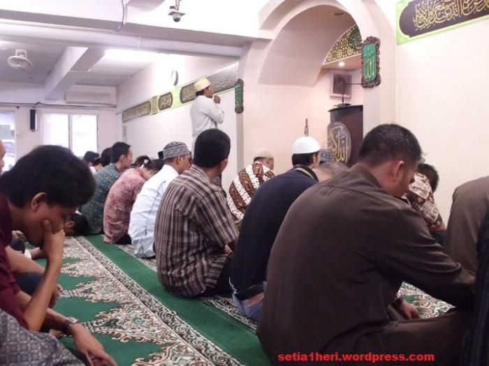 jamaah jumat masjid di PTC