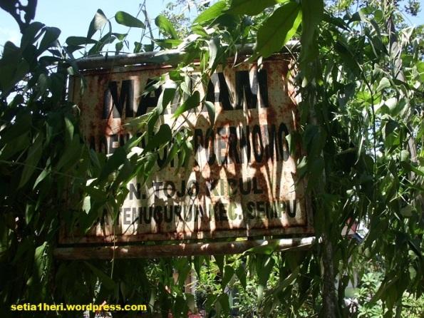 papan nama makam Raden Djojo Poernomo