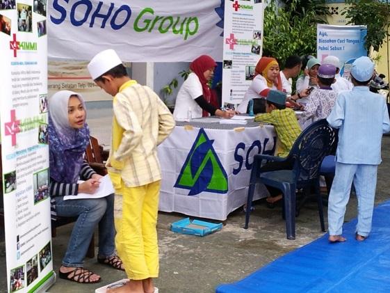 5_Baksos Ramadhan SOHO Group Bersama Komunitas Mobil & Motor_pengobatan gratis