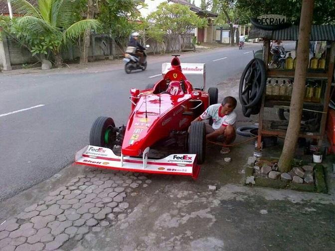 f-1 replika di lombok