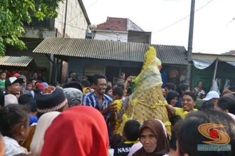 Haul Mbah Syafii Pongangan Manyar Gresik tahun 2014 (46)