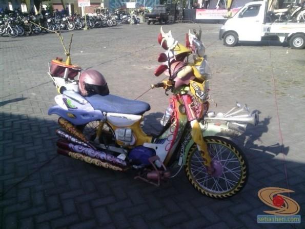 kopdar motor antik club indonesia di gresik 2014 (2)