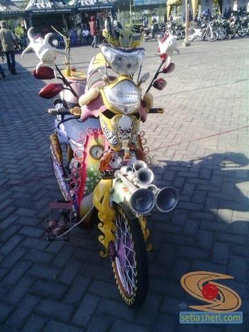 kopdar motor antik club indonesia di gresik 2014 (3)