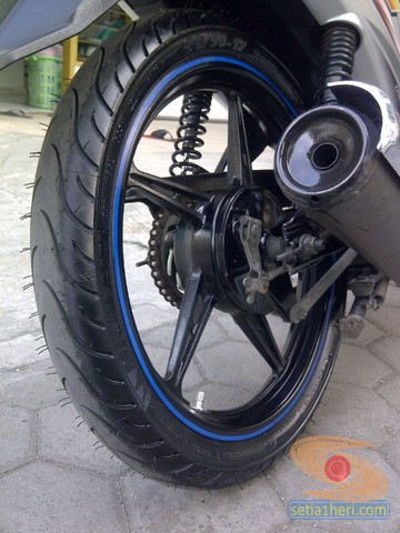 review ban Michelin Pilot Street Bias pada motor bebek yamaha vega  (1)