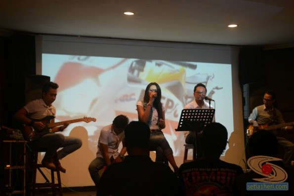kongkow honda community bareng blogger at matchbox too cafe oleh MPM Distributor (3)