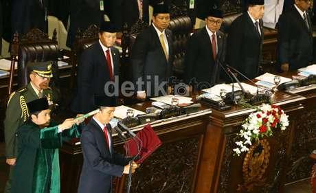 pelantikan Ir.H.Joko Widodo presiden RI ke-7 tanggal 20 Oktober 2014