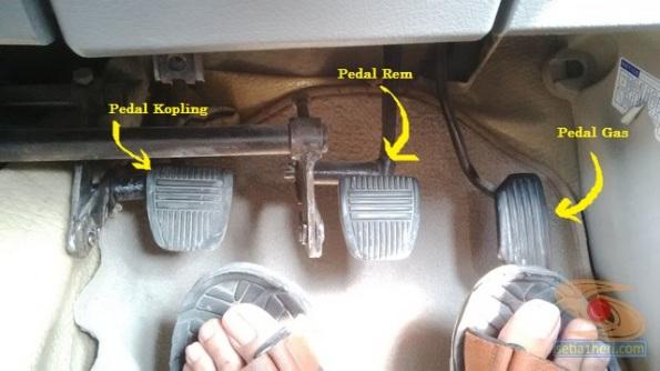Belajar nyetir mobil toyota rush di Bagoes gresik (15)