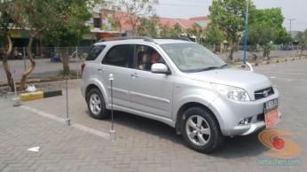 Belajar nyetir mobil toyota rush di Bagoes gresik (6)