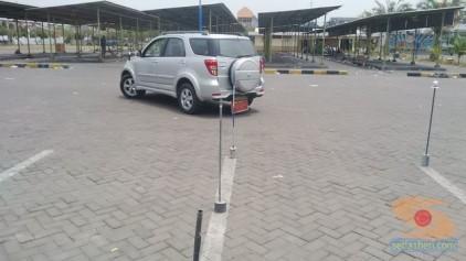 Belajar nyetir mobil toyota rush di Bagoes gresik (9)