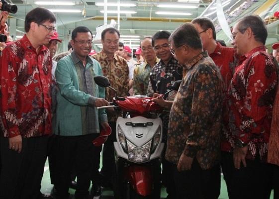 Honda Beat spesial ditanda tangi wapres Jusuf Kalla tahun 2014 (1)