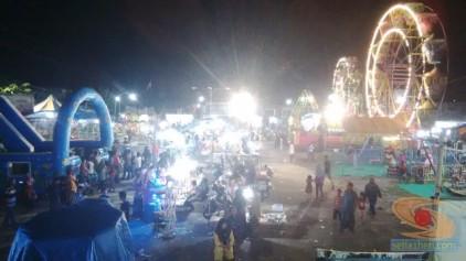 pasar malam di desa Suci Manyar Gresik 2014