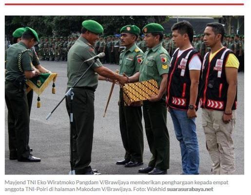 penghargaan untuk TNI Polri yang membebaskan penyandera gresik